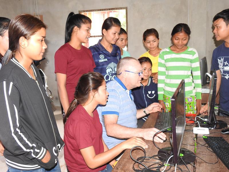 Hope for the children-Frank en Lieve op bezoek in Rong Vean